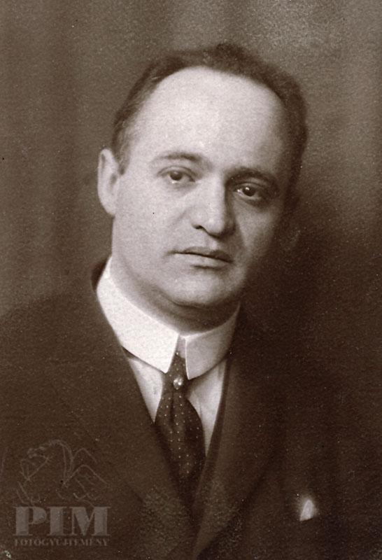 Милан Фющ