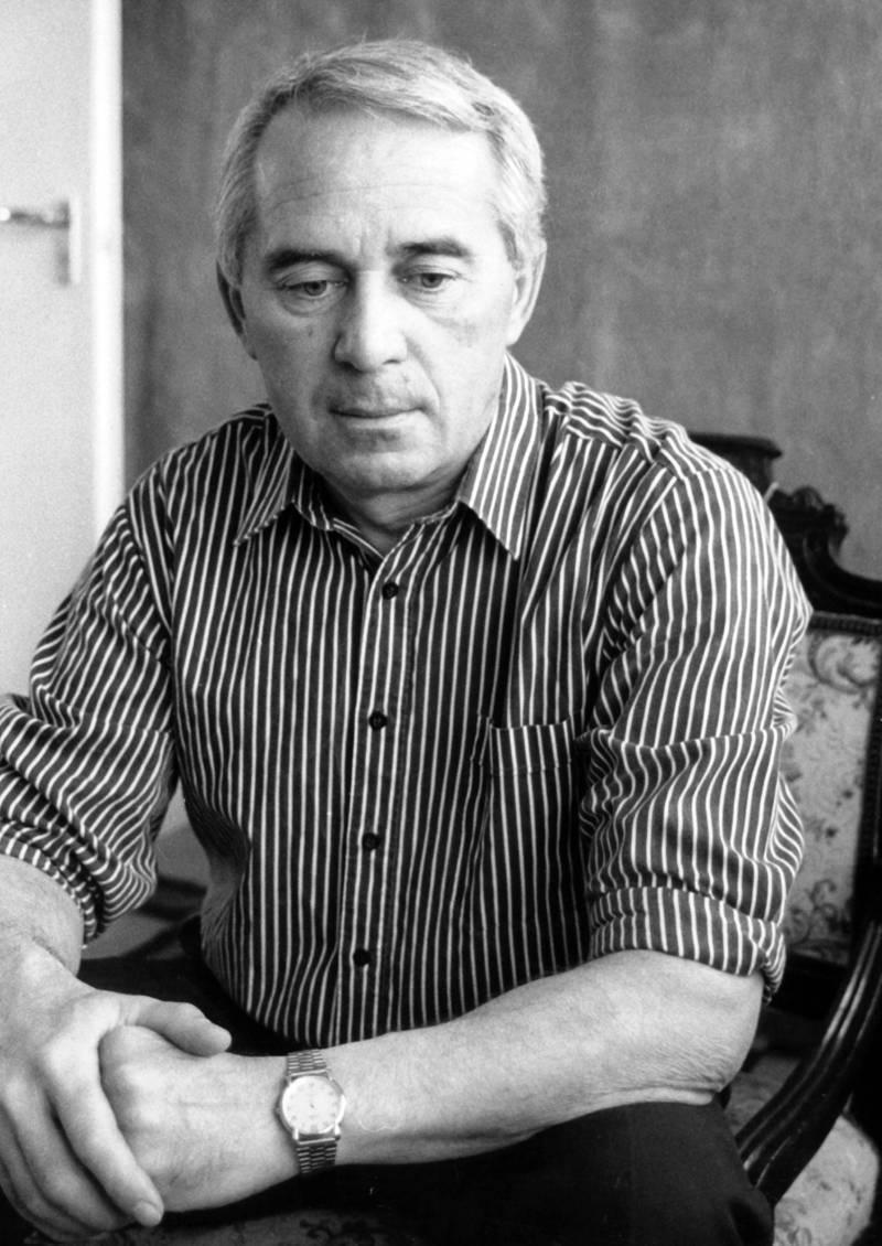 Шандор Тар